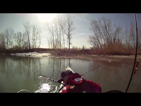 Detroit River Kayak fishing March 2010.mp4