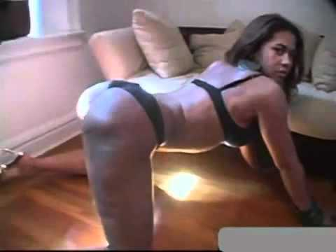 THICK SEXY BLACK GHETTO GIRL BOUNCING THAT JUICY ASS