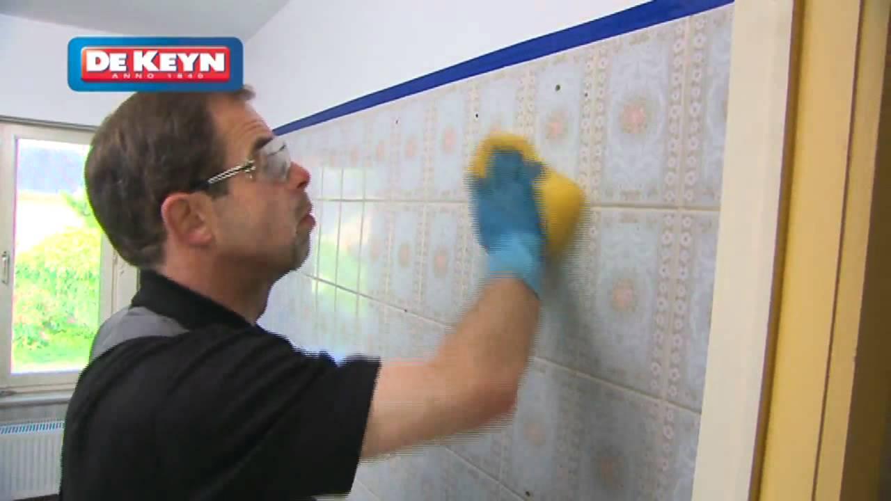 Remettre sa salle de bain neuf peinture pour carrelage youtube for Peindre une faience