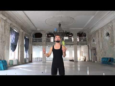 Видео как научиться жонглировать 3 мячами