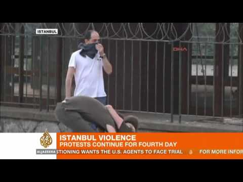 Turkish police break up Istanbul park protest