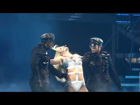 Britney Spears - Hold It Against Me 2011