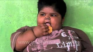 Download Indian man decides to sell his kidney to save his obese children 3Gp Mp4