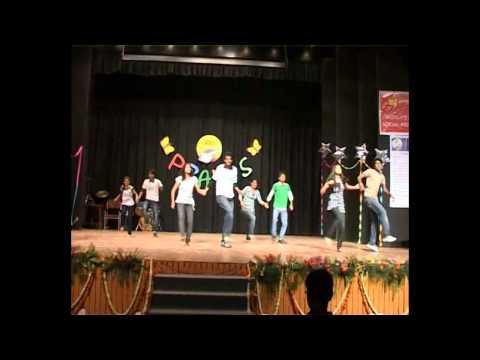 neend churai + nayan tarse + tan tana tan + khadke glassy dance...