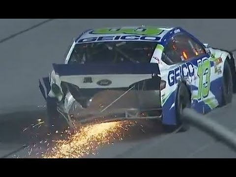 Keselowski and Mears crash at Darlington!
