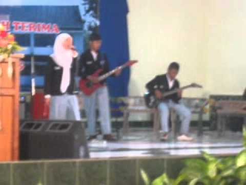 One Last Breath And Ceria Live In SMA Negeri 2 Magelang