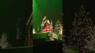 A Willie Nice Christmas Kacey Musgraves Live At Caesars Casino