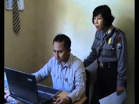 Terekam CCTV, Pencuri Helm Akhirnya Tertangkap