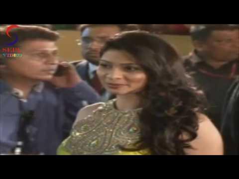 Tanisha Mukherjee Looking Beautiful In Yellow Dress @ Filmfare Awards thumbnail