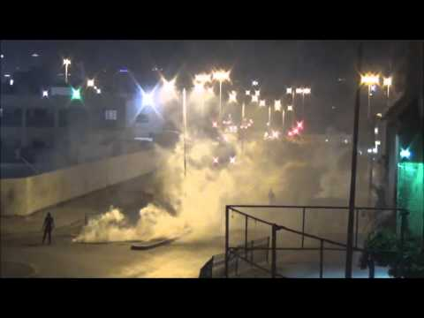 Bahrain : Riot Police Armoured Fire Heavily Tear Gases at Protesters