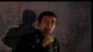 Watch Aterciopelados La Gomela video