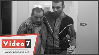 """بالفيديو.. """"محمد"""" شاب عاجز عن الحركة يأمل فى عمل دون أمل بسبب طبيب بلا ضمير"""