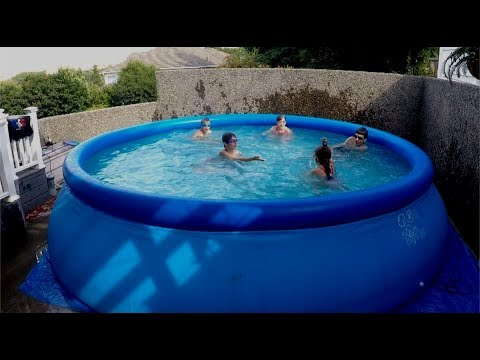 How to Play Swimming Pool Games in Your Backyard Pool