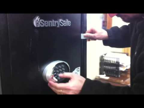 Safe Cracking; How to open a Sentry Gun Safe in under 1 minute