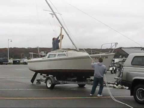 End of Season Courageous Cat Catalina 22 C22 Sailboat taking down the mast