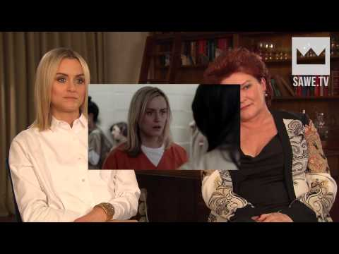 Taylor Schilling & Kate Mulgrew im serieslyAWESOME Interview