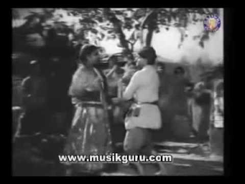 1 Aake Seedhi Lagi Dil Pe Kishore kumar   Pran