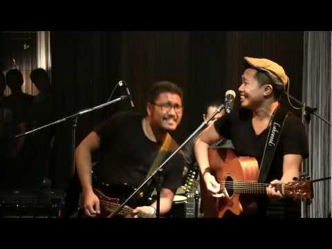 Download  Sandhy Sondoro - No Woman No Cry @ Mostly Jazz 04/05/12 HD Gratis, download lagu terbaru
