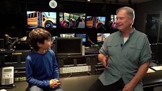 Bob McKeown on school bus seatbelts l CBC Kids News
