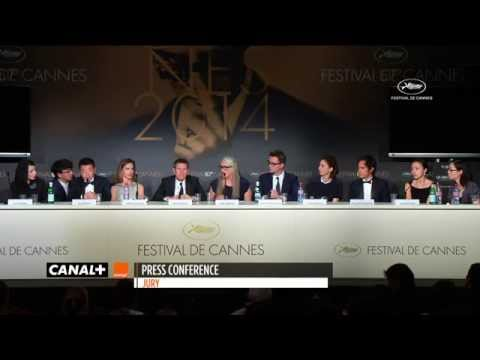 "Cannes 2014 - Jane Campion : ""We wished the dog would have come and got it"""
