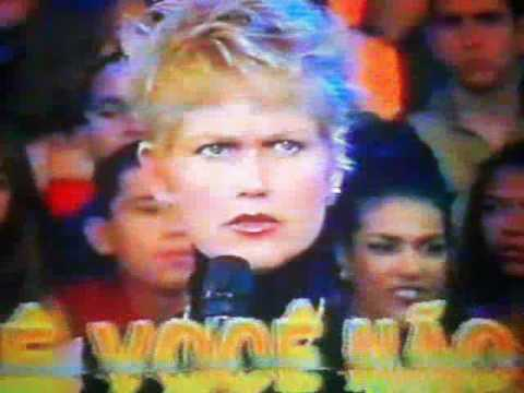XUXA E MARLENE MATOS BRIGAM NA FRENTE DO PÚBLICO DO PLANETA XUXA Music Videos