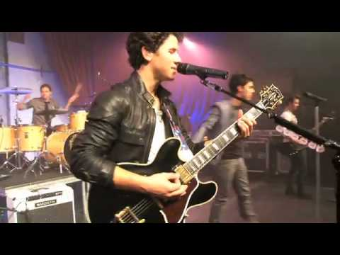 Jonas Brothers - L.A. Baby (2010 Walmart Soundcheck) Music Videos