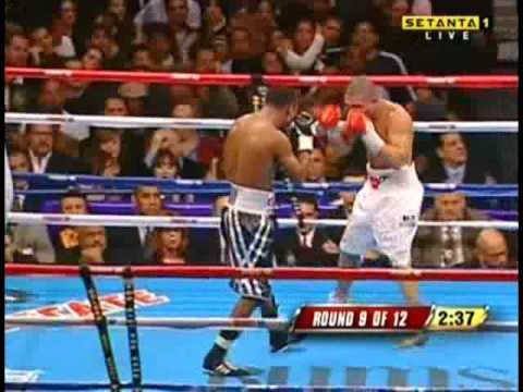 Miguel Cotto vs Shane Mosley RD 9-10