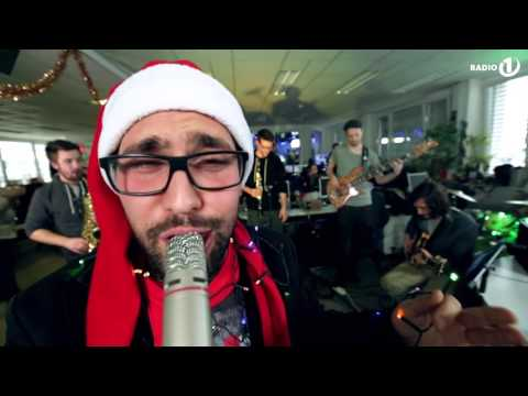Balkan boys - Santa Claus Is Comin' To Town HD