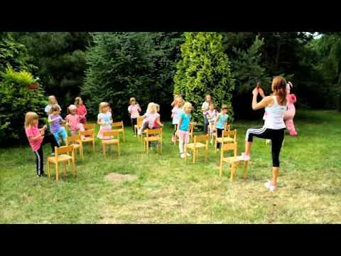 Pigy cvičí s Hankou Kynychovou ve školce - 2. část