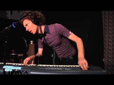 Menomena - Capsule (Live @ WFUV, 2012)