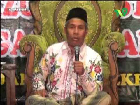 KH Marzuki Mustamar ; dukun, klenik, ; NU dan Islam Nusantara, mewarnai tradisi tanpa melukai