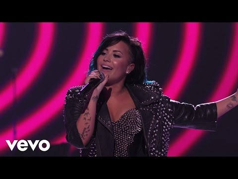 Demi Lovato - Really Don't Care (Vevo Certified SuperFanFest) presented by Honda Stage