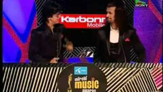 atif aslum insult on redio mirchi award..........