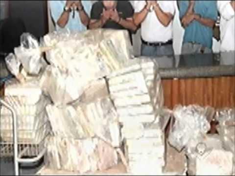 Carga de 234 quilos de cocaína é apreendida em avião em Santa Vitória