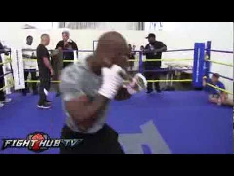 Timothy Bradley vs. Juan Manuel Marquez- Bradley full shadow boxing routine Image 1