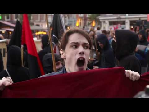 """NOOIT MEER FASCISME!� (No more fascism!)"