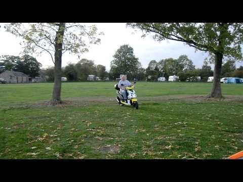 Sym Jet 4 125 scooter.