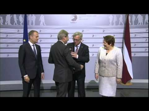 Jean-Claude Juncker drunk and bitch slaps leaders