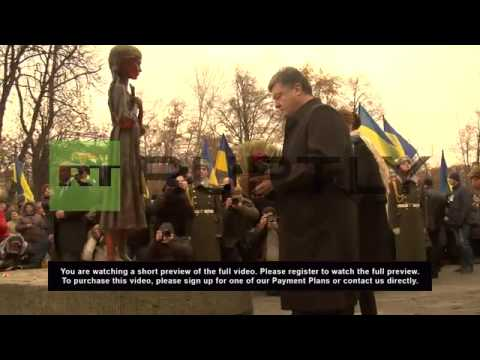 Ukraine: Poroshenko & co lay wreaths at Ukrainian famine memorial