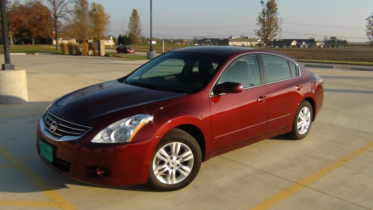 Nissan Altima 2.5S >> 2011 Nissan Altima 2.5S Start Up and Short Tour - YouTube