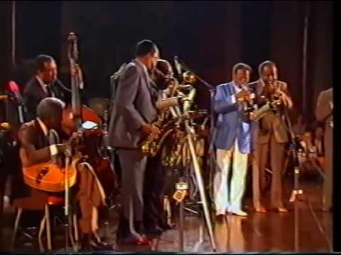 Loose Walk - Dizzy Gillespie/James Moody/Gene Harris/Ray Brown/Benny Powell/Clark Terry/...