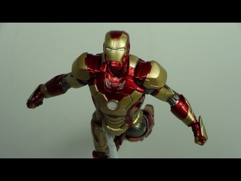 Marvel Select Mark 42 Iron Man 3 Movie Figure Review