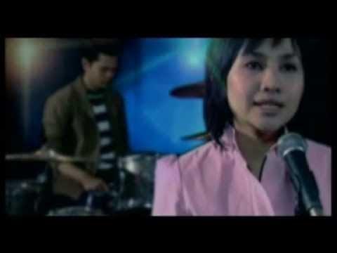La Luna - Berpisah' (Official Video Clip)