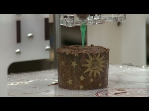 3-D food printer makes dessert