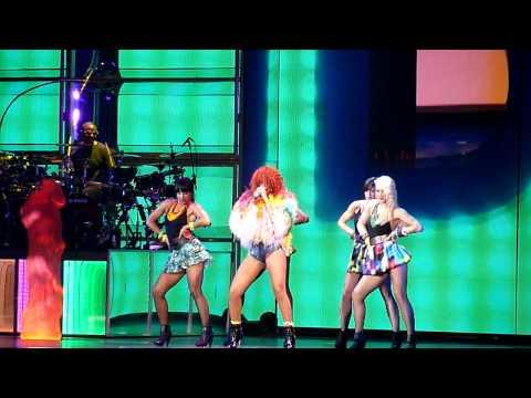 Rihanna - What's My Name w/ Drake - 2011