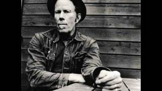 Watch Tom Waits And No One Knows Im Gone video