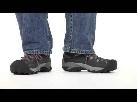 Video: Men's Targhee II Mid Hiking Boot