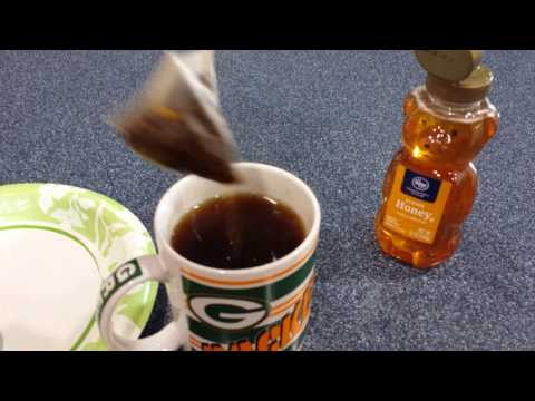 Making tea substitute sugar for honey