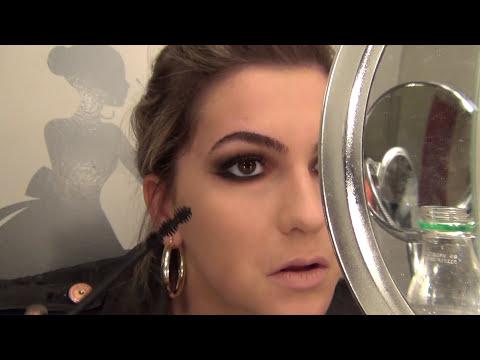 Maquiagem ousada para o dia-a-dia e como cortar a própria franja por Alice Salazar