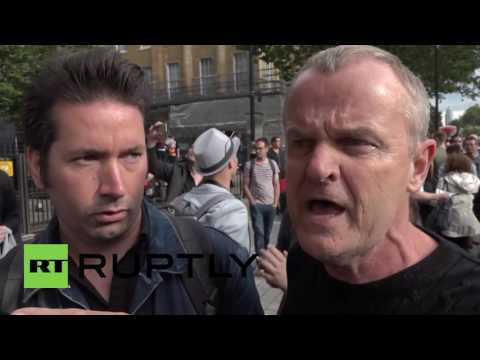UK: Pro and Anti-Brexit demonstrators clash outside Downing Street
